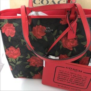 Authentic Coach Signature Brown Red Rose Tote 🌹